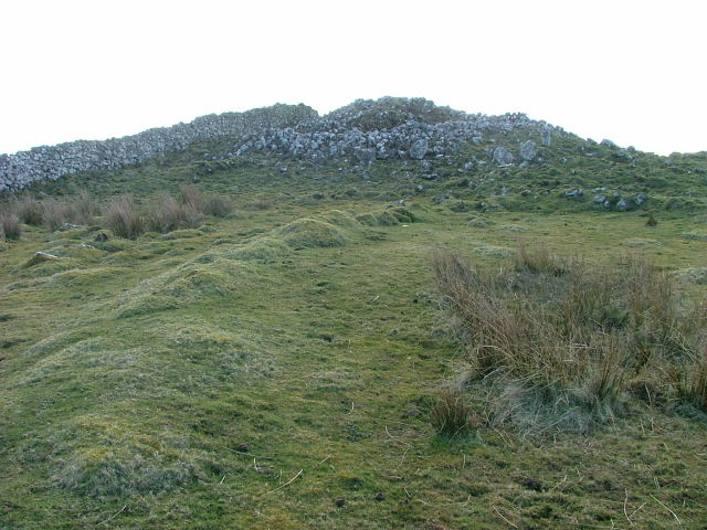Carn Liath Chambered Cairn