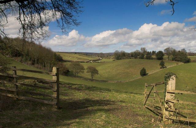 The dry valley near Hamley rig