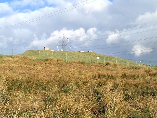 Covered reservoir near Rhyd-y-gwin