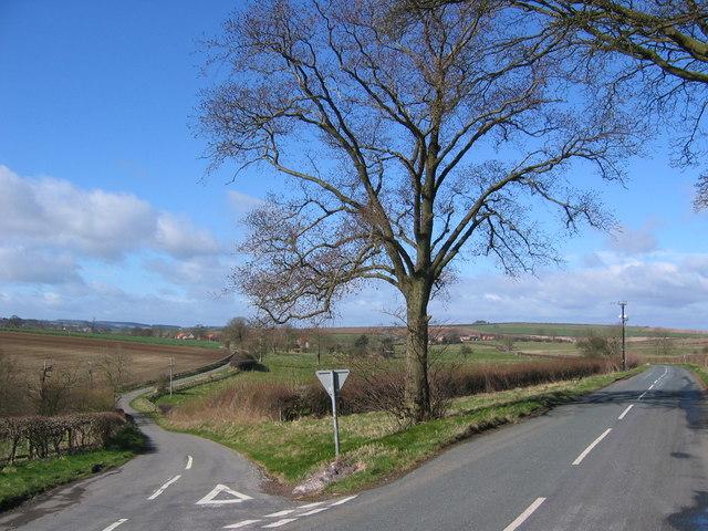 Road Junction to Duggleby