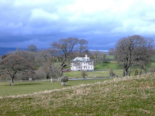 Lyneham House