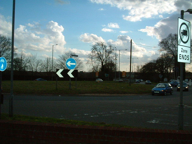 Noke Roundabout, Chiswell Green