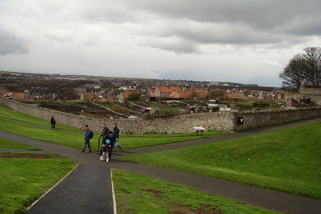 Walking the walls, Berwick