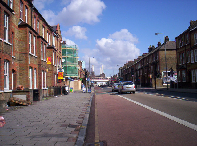 Queenstown Road looking towards Battersea Power Station