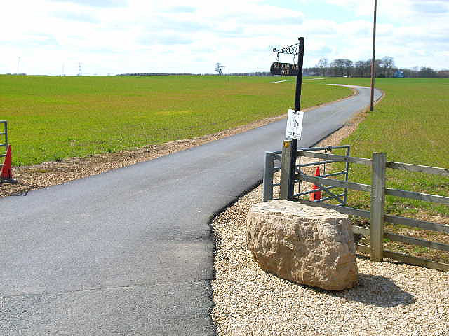 Farm road to Old Acres Hall Farm