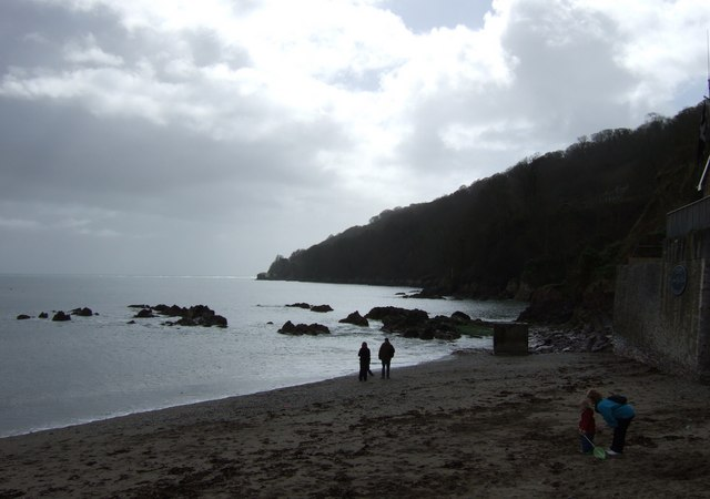 Cawsand Beach - Looking towards Pier Cellars