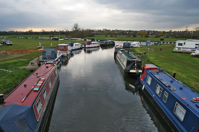 Marina, Caravan and Camp site on the River Soar