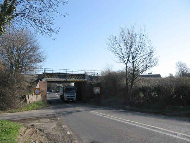Rail bridge near Kingsway Barn