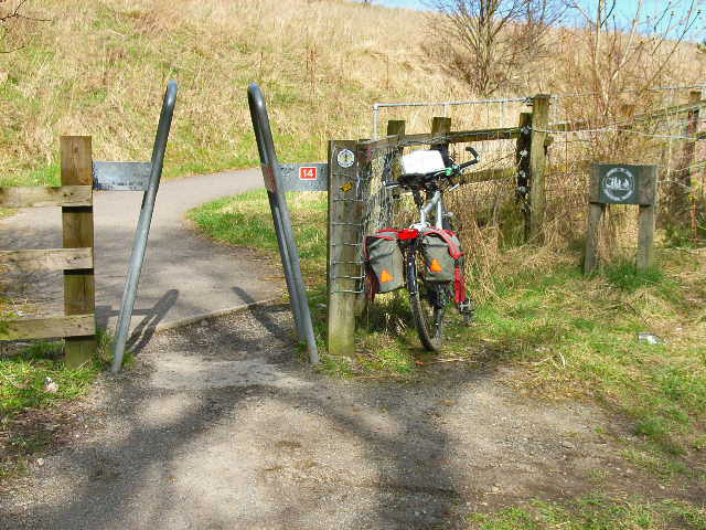 Cycle path access point at Wingate