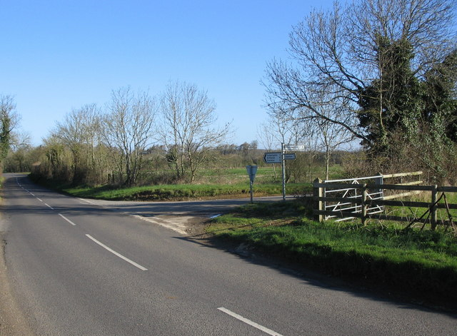 Road junction near Hullavington