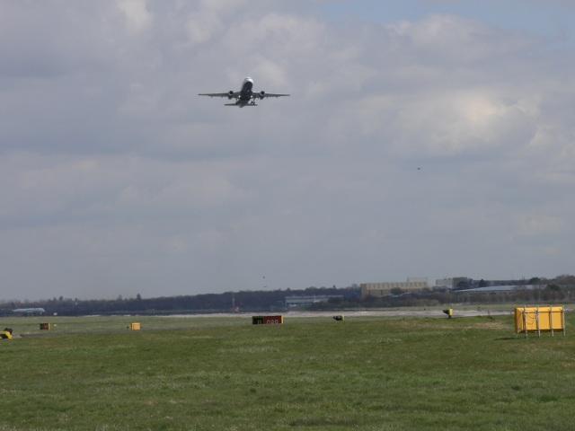 Gatwick Airport's Runway