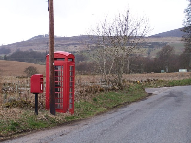 Telephone box on the road to Glenogil.
