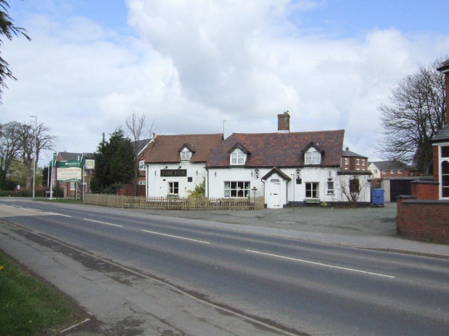Fox Inn, Cross Houses