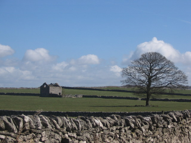 Ruined Barn near Magpie Mine