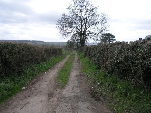 Footpath to Broadward