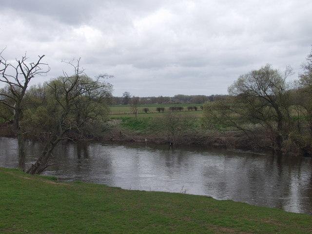Afon Dyfrdwy north of Owrtyn