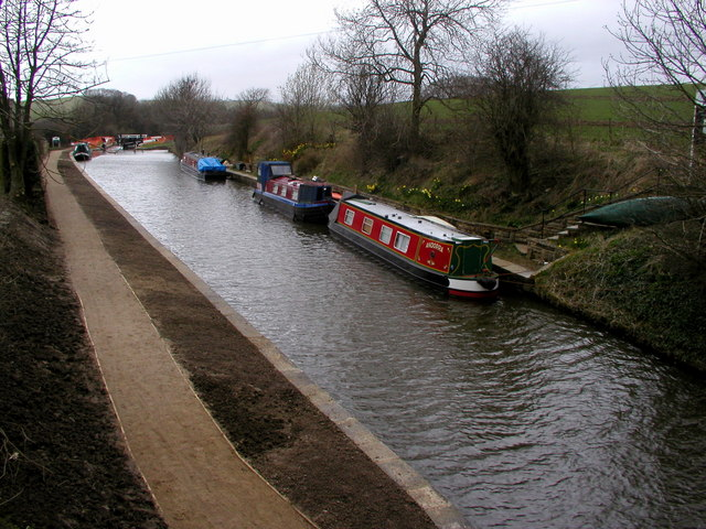 The Leeds & Liverpool Canal above Bank Newton