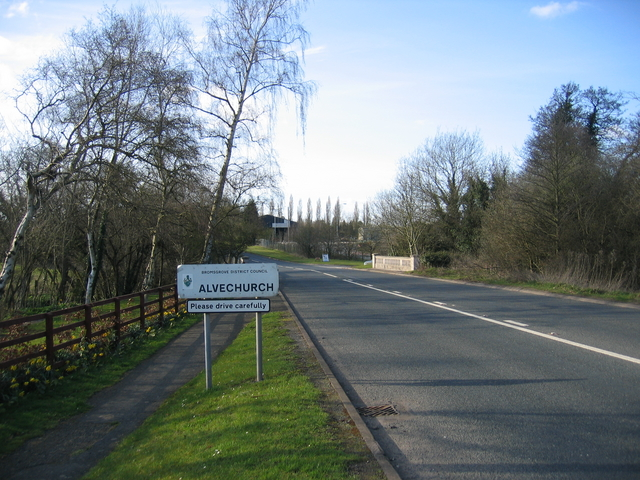 Approaching Alvechurch at Lye Bridge