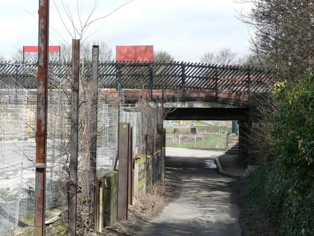 Path under the line, Headingley Station