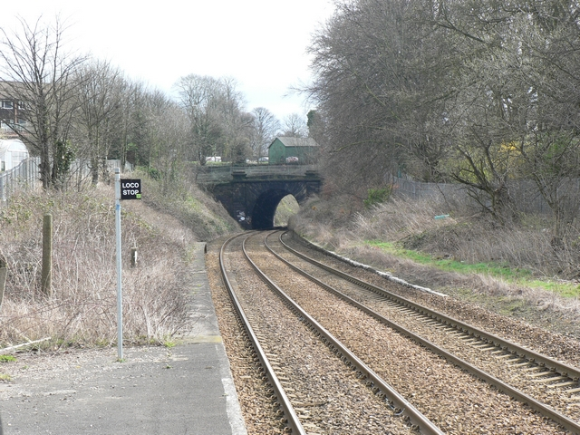 Railway cutting, Headingley Station