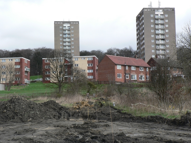 Queenswood Drive and Queenswood Gardens
