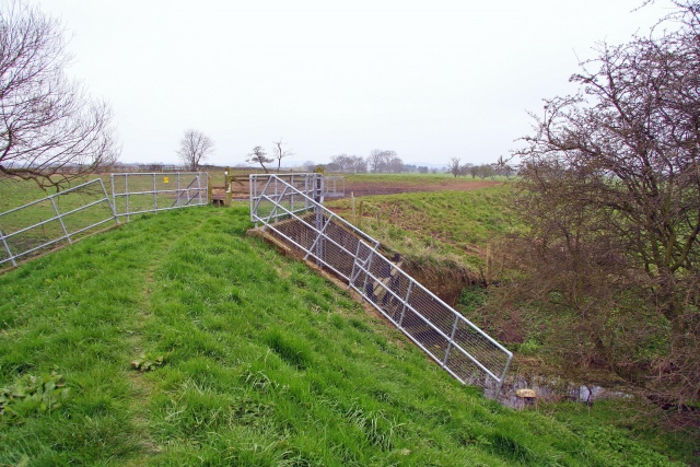 Trent Valley Way crossing Slough Dyke
