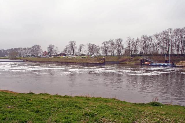 Cromwell Lock and Weir