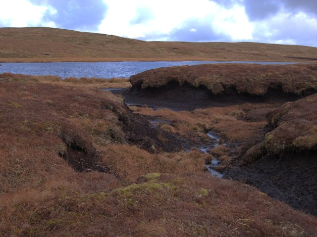 Peat hags to the east of Llyn Du