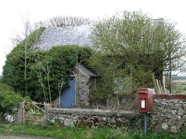 Derelict cottage near to Bryntwrog Uchaf