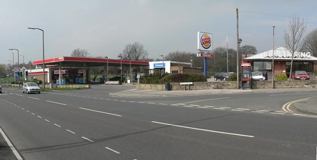Esso Garage & Burger King, New Road Side