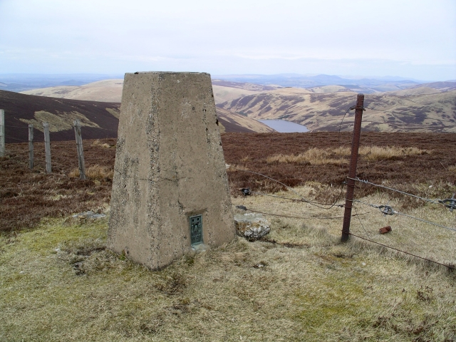 Summit, Whitelaw Brae