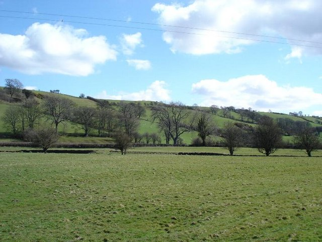 Green fields near Hendre Ddu