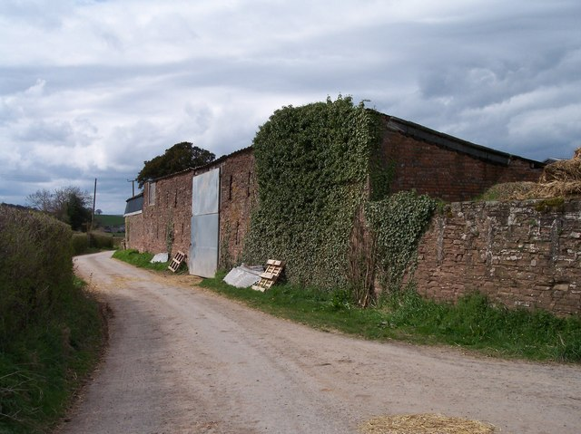 Farm buildings of Upper Maund Farm