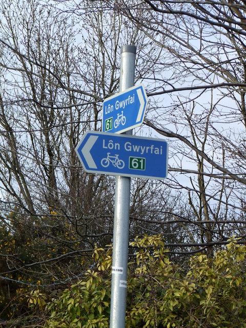 Lon Gwyrfai signpost