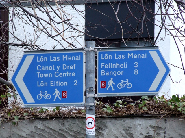 Signpost on Lon Las Menai