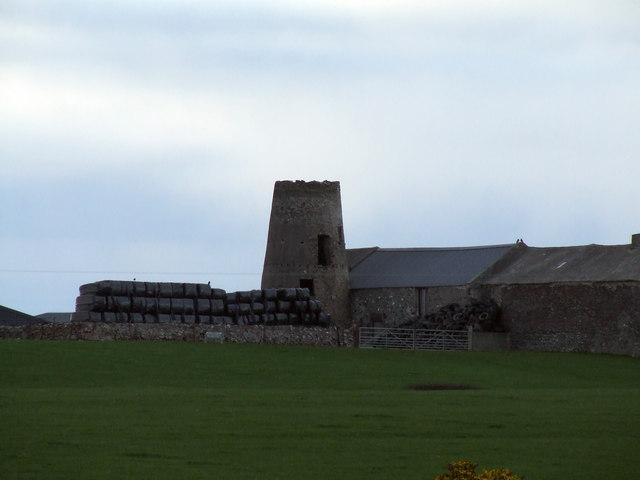 Old windmill near to Llechcynfarwy