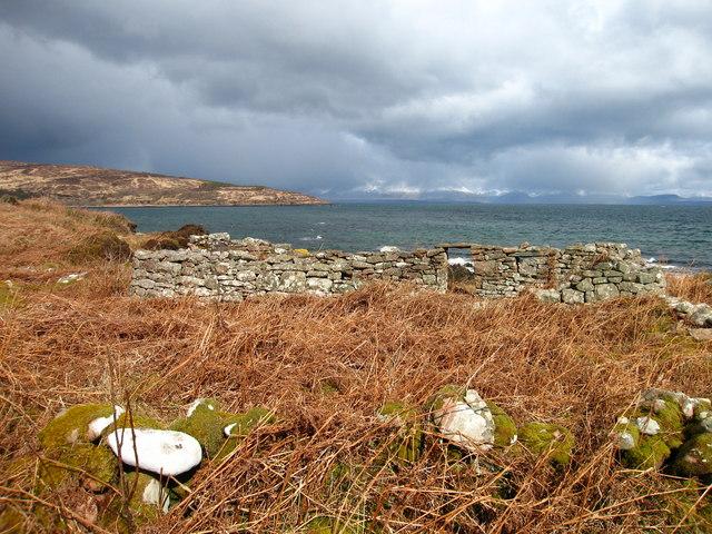 Abandoned houses at Port-na-Caranean, Rum
