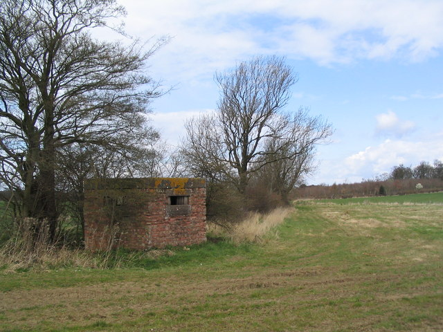 Pill box near Bickfield Farm