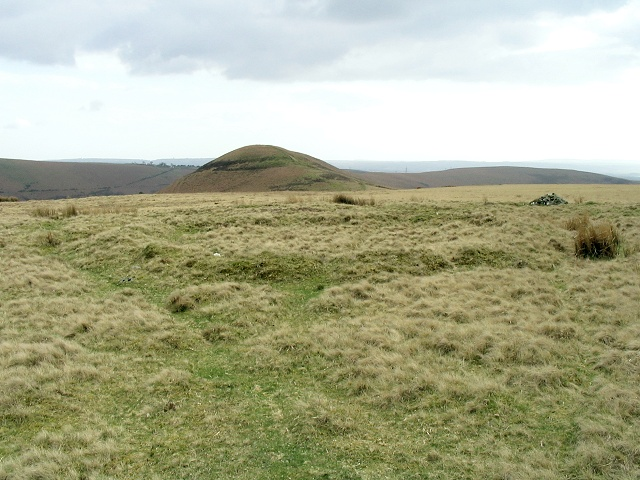 Earthwork inner ring on common above Graig Fawr.