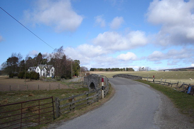 Drimmie Burn and Old School House, Drimmie
