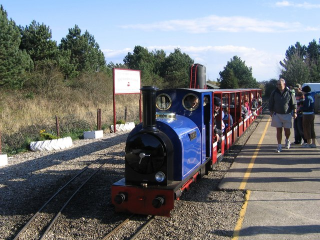 Wells Harbour Railway, Pinewoods station