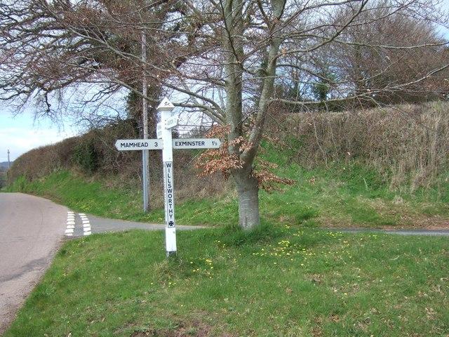 Signpost at Willsworthy Cross, between Kenn and Kenton