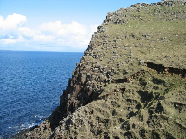 Cliffs at Rubh' a' Chairn Leith