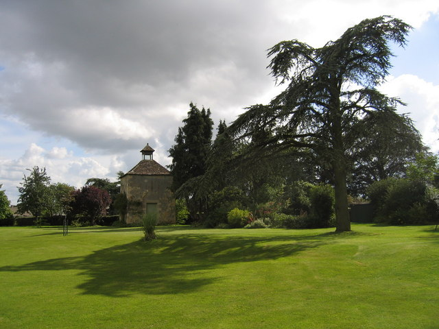 Harnhill Manor dovecote