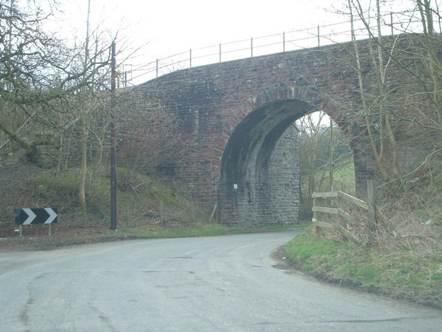 Railway bridge (Heart of Wales Line) over the B4356