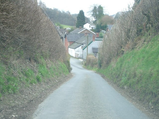 The approach to Llangunllo