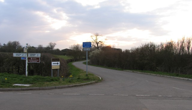 Road to Manor Feeds Owston