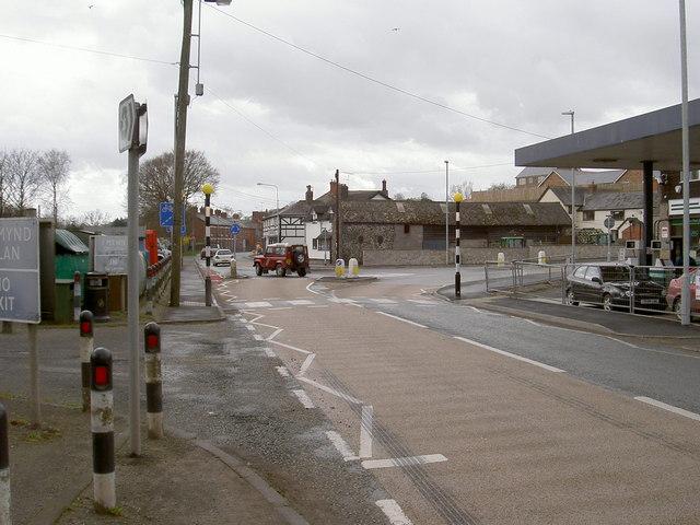 Main road through Llansantffraid ym Mechain