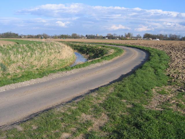 Winding lane and drain, Kirton, Lincs
