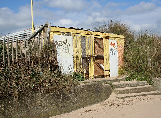 Derelict Lifeguard Station, Chapel St Leonards
